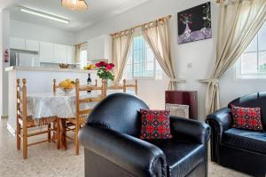Villa 339, Vily  Argaka - big - 14