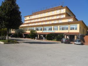 (Grand Hotel Pavone)