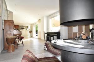 Air Rental - Coloc dans Villa d'architecte, Bed and Breakfasts  Montpellier - big - 27