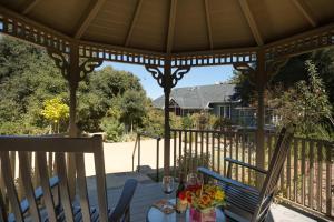 Quiet Oaks Manor, Holiday homes  Julian - big - 11