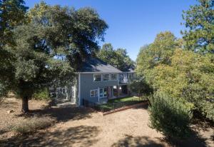 Quiet Oaks Manor, Holiday homes  Julian - big - 2