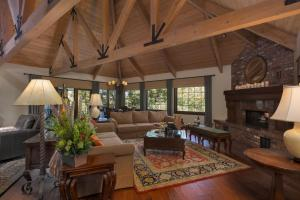 Quiet Oaks Manor, Holiday homes  Julian - big - 18