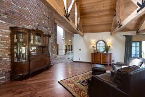 Quiet Oaks Manor, Holiday homes  Julian - big - 3