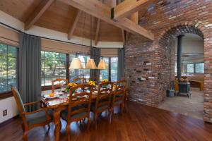 Quiet Oaks Manor, Holiday homes  Julian - big - 50