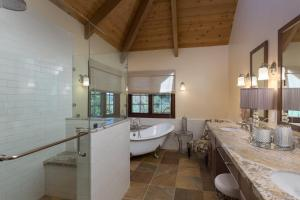 Quiet Oaks Manor, Holiday homes  Julian - big - 48
