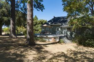 Quiet Oaks Manor, Holiday homes  Julian - big - 40