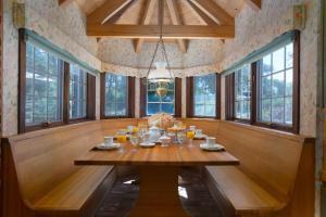 Quiet Oaks Manor, Holiday homes  Julian - big - 39
