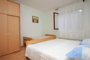 Apartment Novigrad 7054a, Apartmány  Novigrad – Istrie - big - 3
