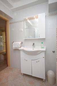 Apartment Novigrad 7054a, Apartmány  Novigrad – Istrie - big - 8