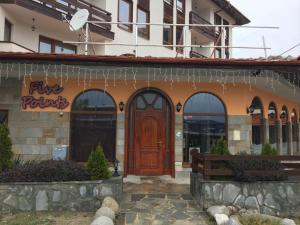 Cedar Lodge 3/4 Self-Catering Apartments, Apartments  Bansko - big - 55