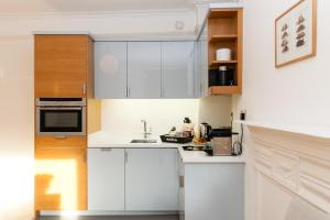 Best price on blueprint living apartments turnmill street in london blueprint living apartments doughty street malvernweather Gallery