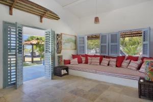 Cea001-Luxury Beach House with Pool in a Fisherman Village