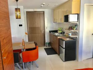 Studio type with free wifi, Apartments  Manila - big - 9