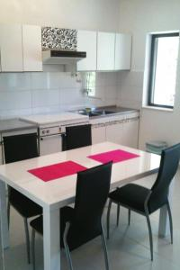 Apartment Poljica 5199a, Apartmanok  Marina - big - 13
