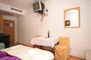 Studio Mlini 8579b, Apartmány  Mlini - big - 9