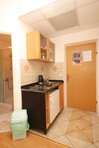 Studio Mlini 8579b, Apartmány  Mlini - big - 16