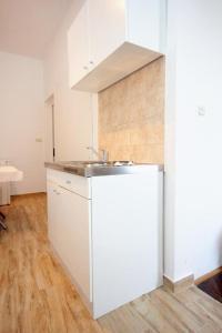 Studio Dubrovnik 9077a, Апартаменты  Дубровник - big - 10