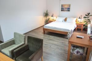 Pansion Centar, Bed & Breakfasts  Tuzla - big - 19