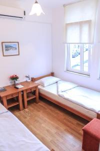 Pansion Centar, Bed & Breakfasts  Tuzla - big - 18