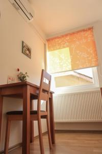Pansion Centar, Bed & Breakfasts  Tuzla - big - 13