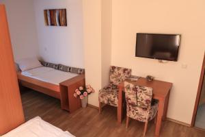 Pansion Centar, Bed & Breakfasts  Tuzla - big - 11