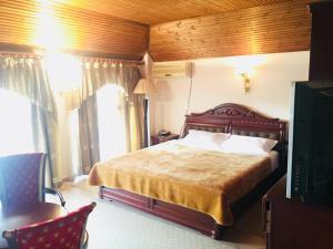 Тирана - Hotel Eliza