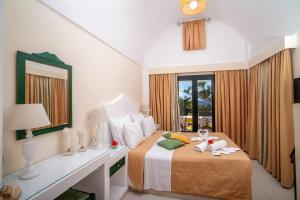 Sellada Beach Hotel(Perissa)
