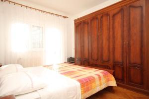 Apartment Grebastica 8367a, Ferienwohnungen  Brodarica - big - 4