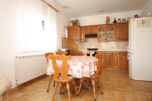 Apartment Grebastica 8367a, Ferienwohnungen  Brodarica - big - 7