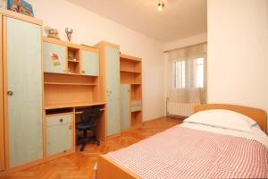 Apartment Grebastica 8367a, Ferienwohnungen  Brodarica - big - 6