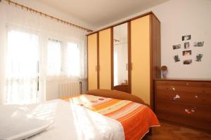 Apartment Grebastica 8367a, Ferienwohnungen  Brodarica - big - 3