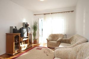 Apartment Grebastica 8367a, Ferienwohnungen  Brodarica - big - 2