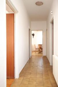 Apartment Grebastica 8367a, Ferienwohnungen  Brodarica - big - 14