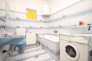 Apartment Grebastica 8367a, Ferienwohnungen  Brodarica - big - 13