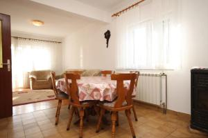 Apartment Grebastica 8367a, Ferienwohnungen  Brodarica - big - 9