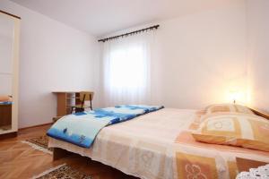 Apartment Vinisce 10006a, Ferienwohnungen  Vinišće - big - 5