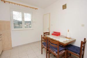 Apartment Vinisce 10006a, Ferienwohnungen  Vinišće - big - 7
