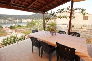 Apartment Vinisce 10006a, Appartamenti  Vinišće - big - 19