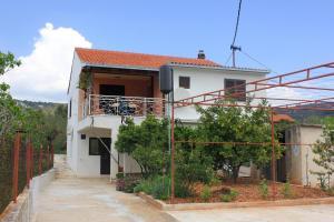 Apartment Vinisce 10006a, Ferienwohnungen  Vinišće - big - 21