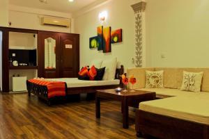 Thumbelina Apartments and Hotel