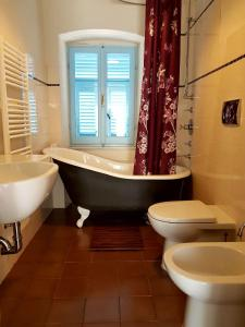 Villa la Foce, Holiday homes  La Spezia - big - 11