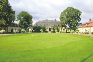 Hooks Herrgård Manor