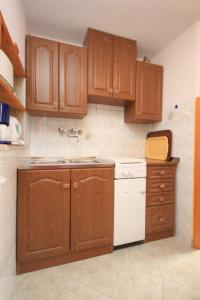 Apartment Stokovci 7457b, Апартаменты  Štokovci - big - 6