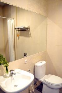 Hotel Alpha Makassar, Hotely  Makassar - big - 56