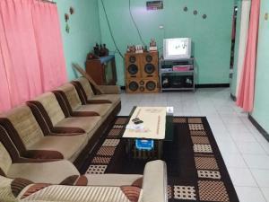 Sabuk Semeru Homestay, Alloggi in famiglia  Gunungsawar - big - 7