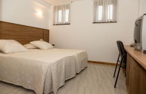 Apartamentos PARK, Apartments  Porto do Son - big - 2