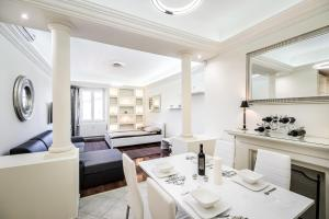 Basilica Luxury Apartment