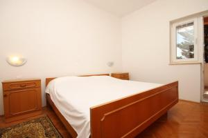 Double Room Metajna 6487c