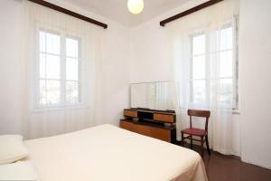 Apartment Lastovo 8322a