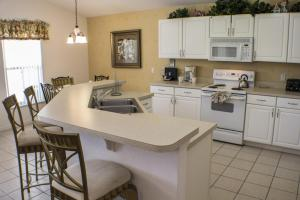 211 Highgate at Legacy Park 4 Bedroom Villa, Villen  Davenport - big - 10